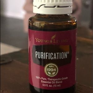 YOUNG LIVING's PURIFICATION ESSENTIAL OIL